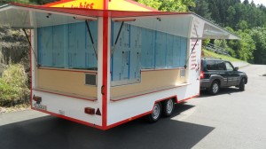 verkaufsanhaenger-imbiss-kuehlhaus-003